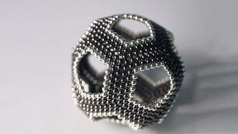Sphère construite avec des billes aimantées neodim